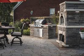 outdoor kitchen design hardscaping with