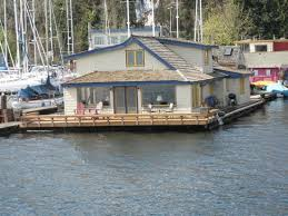 Superb Seattle Ferry Service Day Tours: Sleepless In Seattle Houseboat.