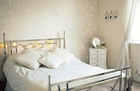 Kleines Schlafzimmer Einrichten Wandfarbe Beige Freshouse