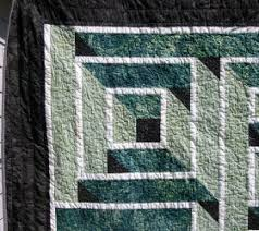 Labyrinth Quilt – Finished! – Hip to be a Square Quilting Podcast & Labyrinth Quilt Close-up Adamdwight.com
