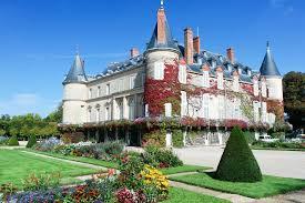 Le château historique de tanlay est l'un des plus beaux spécimens de l'architecture de la renaissance en bourgogne. Schloss Rambouillet Schnelleinlass Tiqets