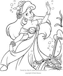 Disegno Di Ariel Con I Tesori Del Mare La Sirenetta Da Colorare