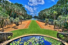 the garden displays diffe groups of plants from places like the caribbean south florida oceanic island