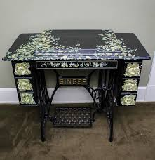 Treadle Sewing Machine Cabinet Antique Singer Treadle Sewing Machine In A Hand Painted Cabinet Ebth