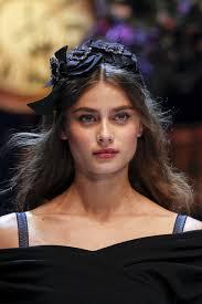 Dolce Gabbana Fall 2016 Ready to Wear Fashion Show Details.