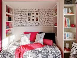 Immagini Di Camere Da Letto Moderne : Camera da letto moderna grigia idee di tween rosso elegante