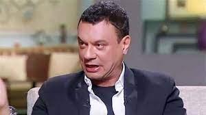 عباس أبو الحسن يطالب ضحايا الطبيب المتحرش بالتقدم ببلاغات ضده