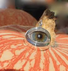 prosthetic glass eye eyelid pendant