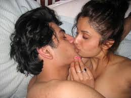 Horny College Girls and Couples Kissing Images