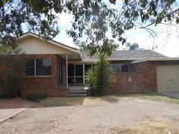 2 garden street south tamworth nsw 2340
