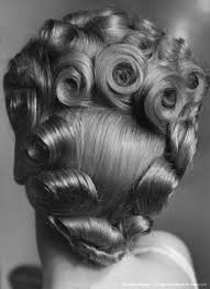 Pin by Myrna Harvey on Histoire - seconde guerre | Vintage hairstyles,  1940s hairstyles, Retro hairstyles