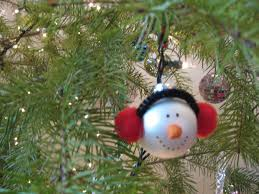 Decorating Christmas Ornaments Balls DIY Christmas Tree Ornaments to Make With Your Kids 19