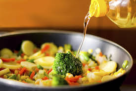'<b>Smoke</b> point' matters when cooking with <b>oil</b> - The Globe and Mail