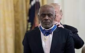 Minnesota hero Alan Page honored at White House | Bemidji Pioneer