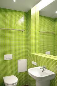 Luxurious Small Apartment Bathroom Ideas With Beige Subway Tiles - Small apartment bathroom decor