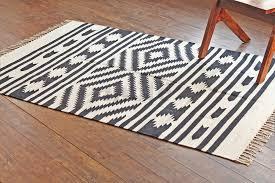 hand woven flatweave 4 x 6 white black southwestern dhurrie area rug