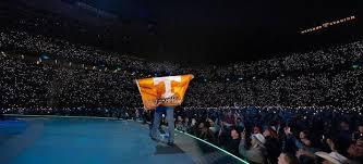 Neyland Stadium Seating Chart Garth Brooks Video Garth Brooks Breaks Record At Tennessees Neyland