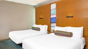 Miami 2 Bedroom Suites Doral Accommodations Aloft Miami Doral