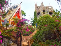Travelholic: Crazy House in Dalat, Vietnam (Hằng Nga Guesthouse)