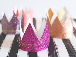 how to make girly things out of paper 40 diy crowns and tiara you can wear to your next party cool crafts