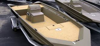 slip resistant granulated rubber marine surfacing to revitalize and renew your boat deck