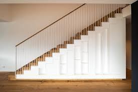 Timoore simple hochbett mit integriertem schrank, orange/creme/natur. Treppen Schreinerei Lotscher