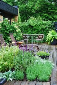 lush landscaping ideas. Lush Garden Deck Landscaping Ideas P