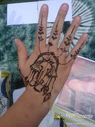 Malování Na Tělo A Obličej Třpytivé Tetování Nebo Hennou Inzerce