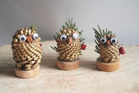 Httpsipinimgcom736x27635c27635c86a860df5Christmas Crafts Made With Pine Cones