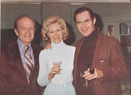 Lydia Bruce (Dr. Maggie Powers) with both her real and reel husbands at a  cast party in the mid-70s. At her left is her longtime husband, … | It  cast, Bruce, Steven