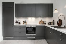 ... Dark grey kitchen - via cocolapinedesign.com ...