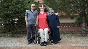 Rümeysa Gelgi, dünyanın en uzun kadını olarak rekorlar kitabında