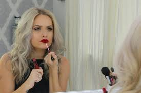 watch beauty ger jordan bone learn to apply makeup again after her tragic accident missbish women