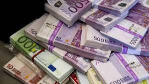 """أعلى شراء في """"القاهرة"""".. سعر اليورو أمام الجنيه اليوم الأحد 29-8-2021"""