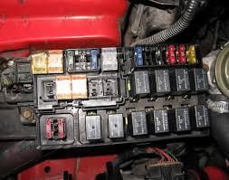 electrical fuse box help needed possible alt problem dsmtuners the 60a fsbl and 100a alt is missing to the far left anybody have a pic of their fuse box they can put up