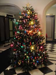 Gold Tree Lights Xmas Tree Decorating Ideas With Amazing Pearl Garland And