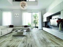 Fußbodenheizung ist idealer partner für modernen heizkessel, wärmepumpe und solaranlage während sich die fußbodenheizung im neubau schon so gut wie durchgesetzt hat, ist sie im altbau noch nicht so verbreitet. Sanierung Von Bodenbelagen Jetzt Auf Immobilien Und Hausbau
