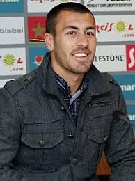 El lateral del Sevilla Antonio Luna ha comentado, a la salida del reconocimiento médico de pretemporada, que vuelve al trabajo, tras su cesión en el Almería ... - 1309776479_extras_mosaico_noticia_1_1