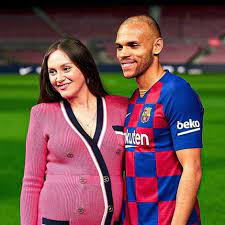 He currently plays for the spanish club barcelona. Martin Braithwaite Signed With Fc Barcelona How Much Is His Annual Salary Who Is Braithwaite Married To