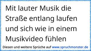 Mit Lauter Musik Die Straße Entlang Laufen Und Sich Wie In Einem