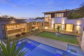 U Shaped House Design Elegant Pool