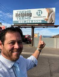 Scottsdale Realtor Fields earns national Good Neighbor Award | Your Valley