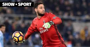 Ac milan and gianluigi donnarumma have reached an agreement to extend the goalkeeper's contract through to 2021. Donnarumma Salary Chelsea Are Ready To Pay Eur 10 5 Million To Gianluigi Donnarumma News Am Sport All About Sports In Fifa 21 On A Salary Of 93 000 Per Week The 84 Ovr Defender Has A Worth Of 32 5 Million Nellyindi