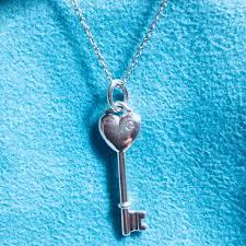 silver diamond heart key pendant with 41cm chain