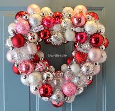 valentine wreaths for your front door20 Heart Melting Handmade Valentines Wreaths  Style Motivation