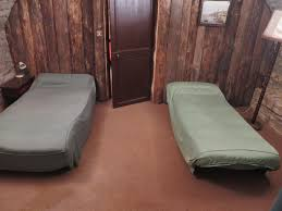 Number Of Bedrooms : 3. Number Of Beds : 6*90, Number Of Sleeppings :6.  Number Of Bathrooms : 1. Number Of Toilets : 2