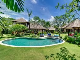 Villa Kakatua - Villa, pool and gardens - Villa Kakatua, Canggu, ...