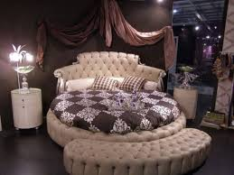 View in gallery Lavish and luxurious bedroom design using a round bed