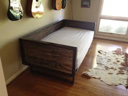 Cherry Wood Daybed : Rustic Wood Daybed Ideas  Room Design, Decor .