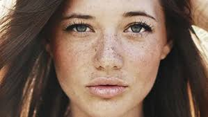 beauty header image article main fustany beauty makeup tips to apply foundation with freckles
